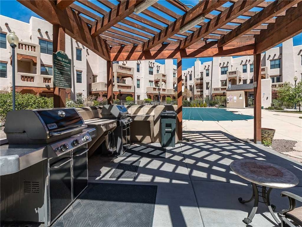 Property Grounds, Alameda Cactus Flower 303 - One Bedroom Condo