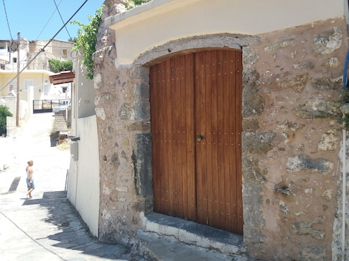 Heracles Traditional Cretan House 1