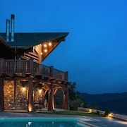 Luxury Mountain Chalet, With Private Sauna and Pool