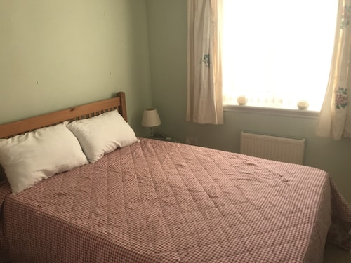 2 Bedrooms Apartment Near Molineux Stadium and City Centre