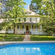 PERFECT FAMILY GETAWAY! Historic CRYSTAL SPRINGS INN is all yours - 4,000 sq ft!