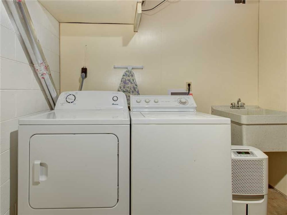 Laundry Room, Castle on the Green, 9 BR, Hot Tub, Pool, Sauna, Sleeps 28