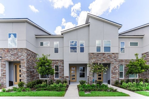 Orlando Newest Resort Community Town Home With Pool