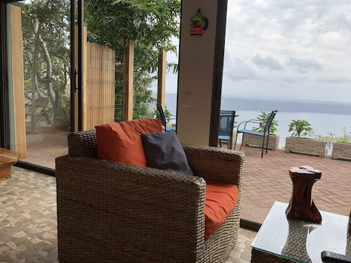 Beautiful Laguna de Apoyo, Private 1 Acre of Gardens, 3 Lagoon Overlook Patios