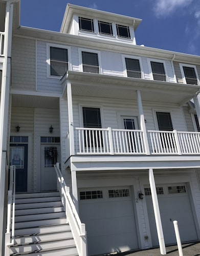 Bay Escape at Seaside Village-rents Saturday to Saturday