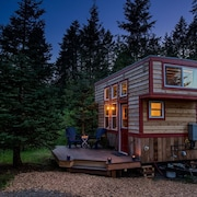 Secluded Respite; Tiny Home Near Portland