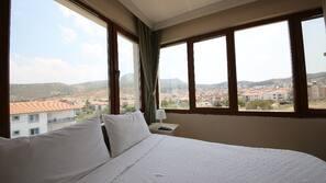 9 bedrooms, free WiFi