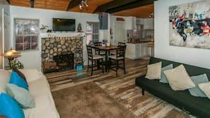 2 間臥室、設計自成一格、家具佈置各有特色、熨斗/熨衫板