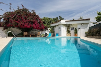 Villa Aroeira with Pool by Homing