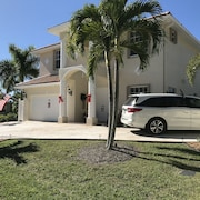 3 mi to 5th & Naples Beach Waterfront, 3400 Sqf, Quite Location