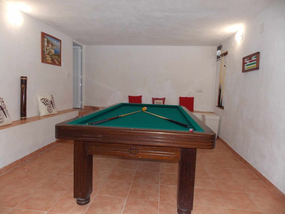 Game Room, Villa Alma House With Private Pool Free Wifi