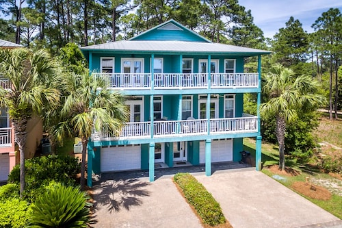 NEW Listing! Gulf & Lake Views, Access to Pool! Walking Distance to Beach!