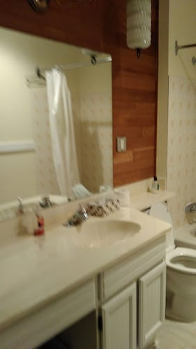 Bathroom, Close to Skytrain 3 Bedrooms Upper Bright and Clean