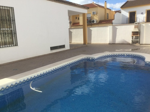 Villa With 4 Bedrooms in Villanueva del Ariscal, With Private Pool, Furnished Garden and Wifi - 60 km From the Beach