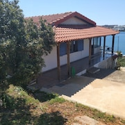 Beautiful Vacation House at Sounio