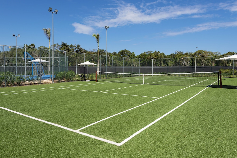 Tennis Court, Ocean Coral Spring Resort - All inclusive