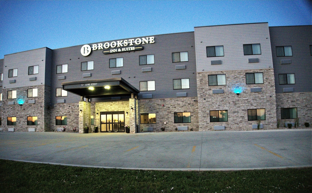 Featured Image, Brookstone Fort Dodge