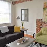 New Listing! Fully Renovated 2 bed / 2 Bath Julia @ St. Charles Ave. Walk to Wwii, Superdome