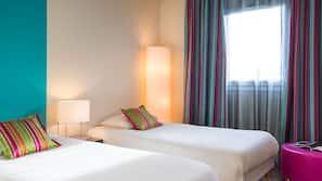 Bureau, rideaux occultants, chambres insonorisées, Wi-Fi gratuit