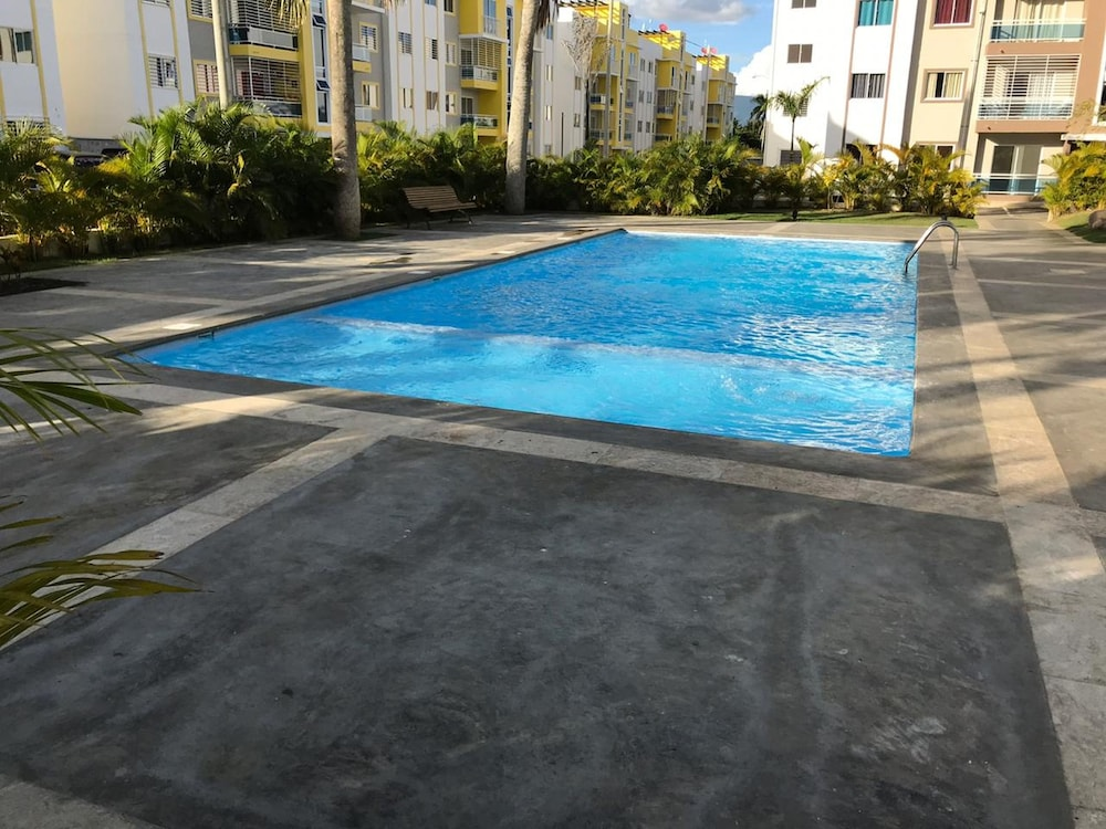Pool, Tropical Condo BBQ Pool 5min to Airport