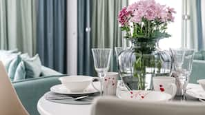 1 sovrum, sängtillbehör av högsta kvalitet och strykjärn/strykbräda