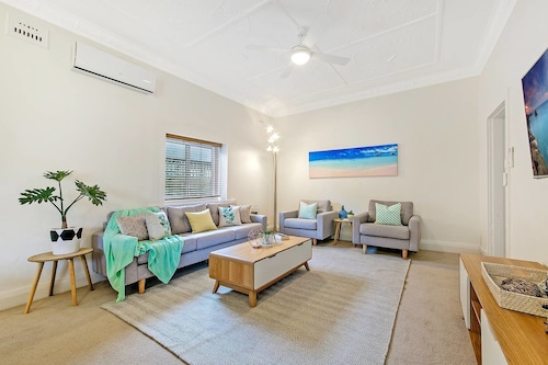 Sydney North Bondi Family House 3 Bedroom Min to Beach Nnb006