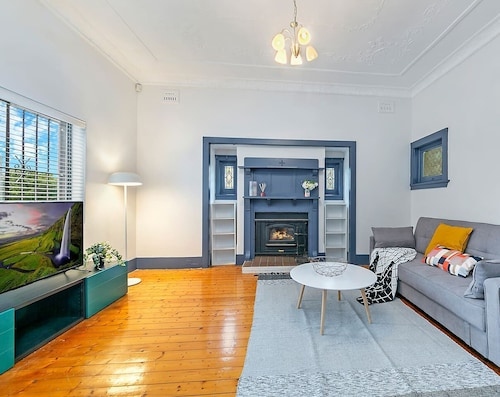 Sydney Airport Gardenia Cottage 3 BED Nar232