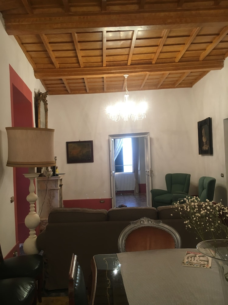 Living Area, Residenza 1642