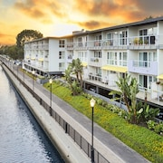 Marina Del Rey Waterfront Apartments