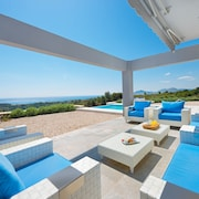 Luxury Modern Villa With Sea View Only 7minutes Drive From Faliraki City Center!