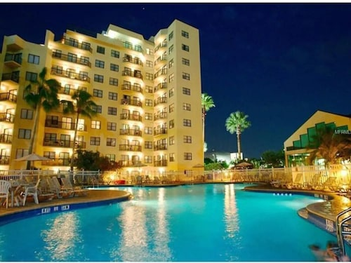 Resort Studio Near FL Attractions.great Location!