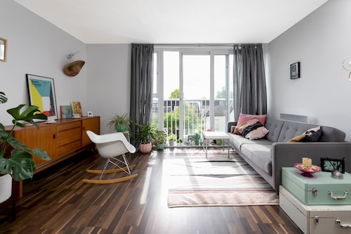 Modern, Bright 1 bed for up to 2 Guests, Nunhead