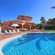 la Canuta Villa, Sleeps 9 With Pool, Air Con and Wifi
