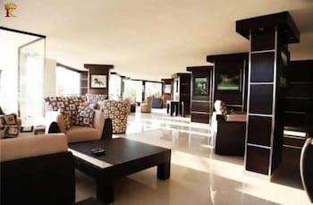 Kingdom Suite Hotel