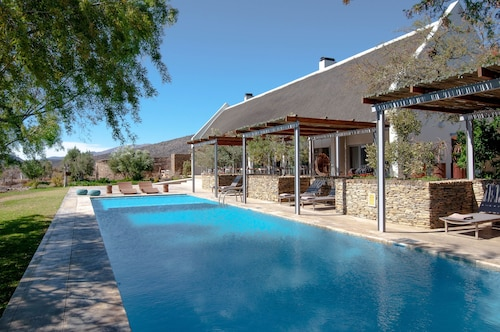 Gondwana Family Lodge - Sanbona Wildlife Reserve