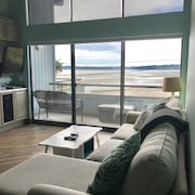 NEW Listing!!! Luxurious Bayview Condo Steps From the Beach