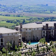 Pinnacle Pointe - By Vacations Kelowna