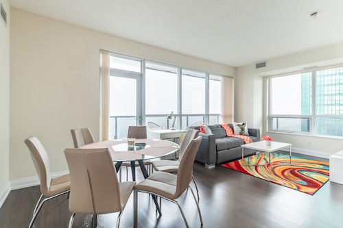 Simply Comfort. Modern Apt North York