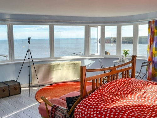 4 Bedroom Accommodation in Seaton Sluice, Near Whitley Bay