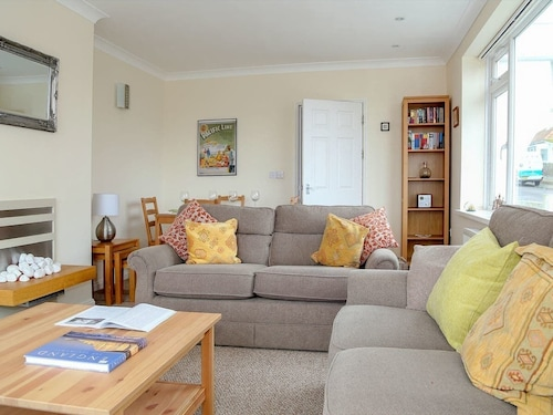 2 Bedroom Accommodation in Birchington, Margate