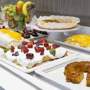 le petit-déjeuner buffet