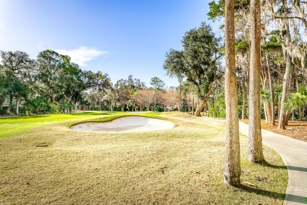 Golf, Riverfront Home Close to Island Amenities - one dog Welcome!