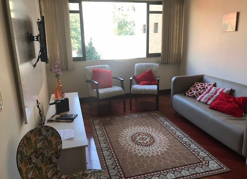 Excellent Apartment in Prime Area of Curitiba! Wifi and Garage!