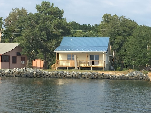 Potomac Vista Cottage on Little Pond