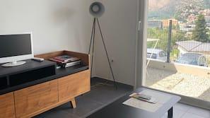 1 chambre, fer et planche à repasser, draps fournis
