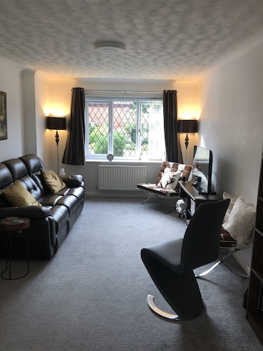 Close to Central Milton Keynes, MK Stadium & Silverstone