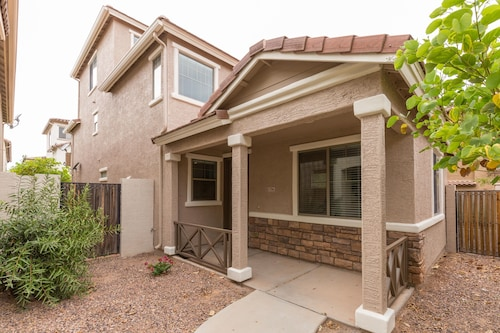 NEW Listing Phoenix/gilbert Getaway! Entertainment or Relaxation!