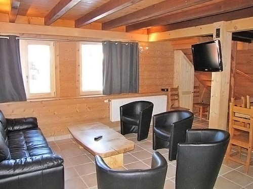 Surface Area : About 120 m². Living Room. Open-plan Kitchen With Stove, Oven, Dishwasher, Microwave