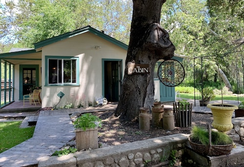 The Cabin, Take Refuge in Nature, Relax and Recharge in a Serene, Magical Place