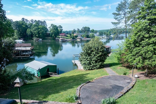 Great Location and Views! Enjoy Spring and Summer at This Amazing Lake House